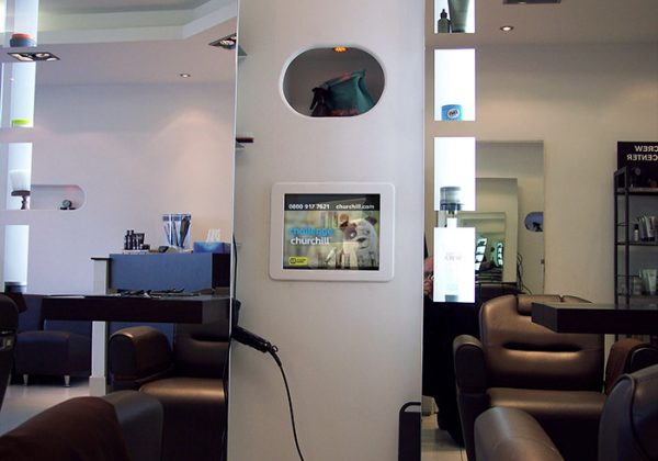 mirror-tv-screen-hairdressers-salon