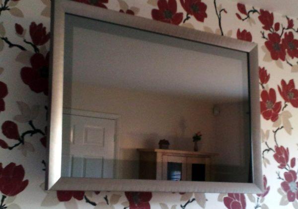 mirrored-tv-overlay-2