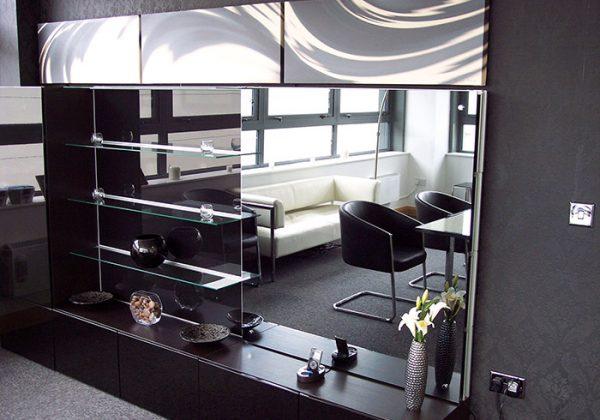 mirrored-tv-overlay-showroom-2