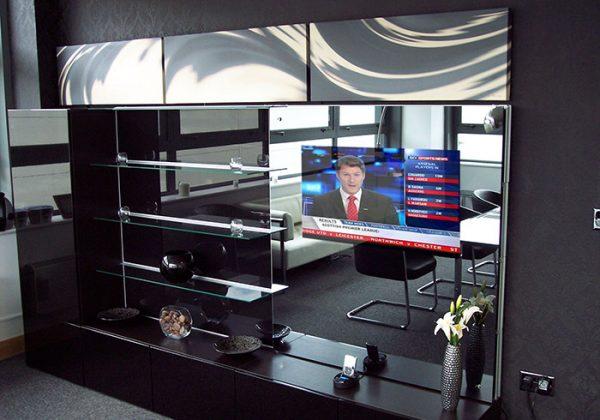 mirrored-tv-overlay-showroom
