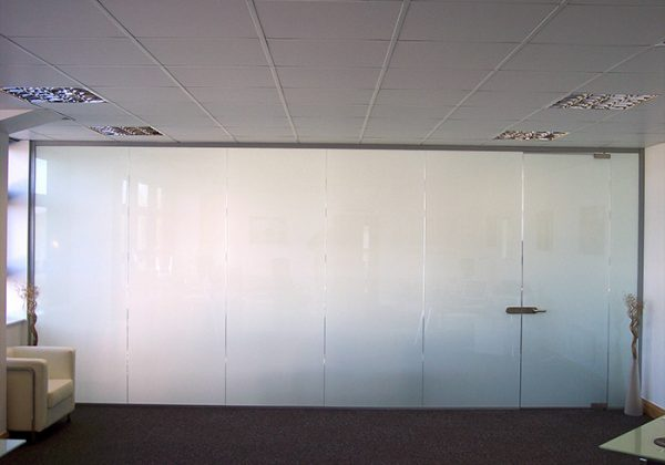 switchable-smart-film-pro-display-office-frosted