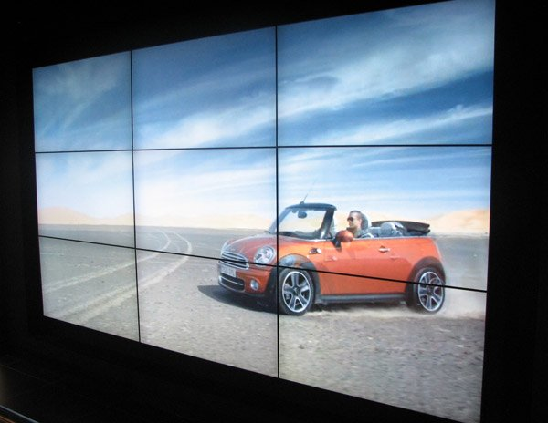 large-video-walls-by-aprios-av-for-mini-park-lane